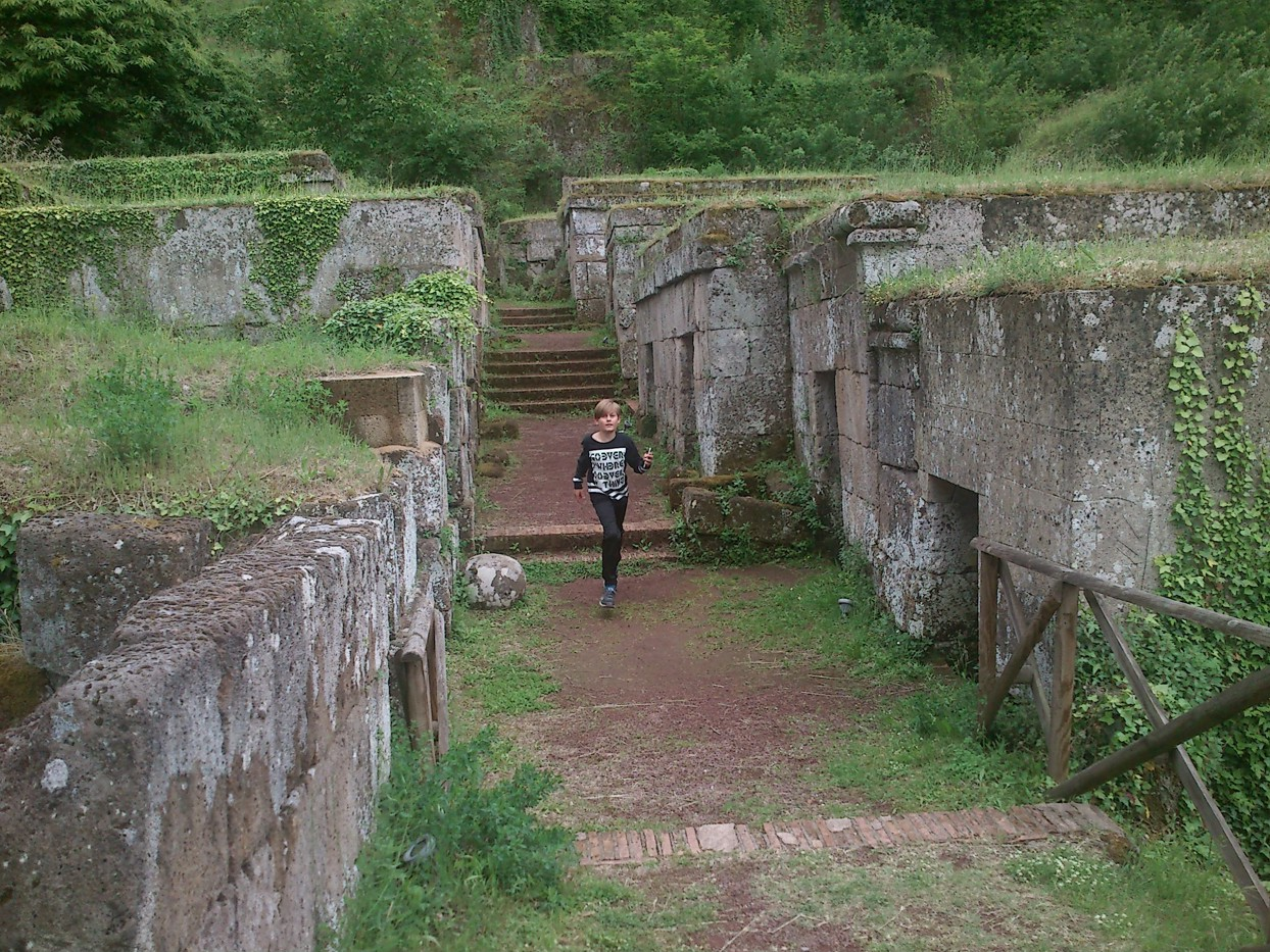 Necropoli del Crocifisso del Tufo. (fotograferet af Martin)