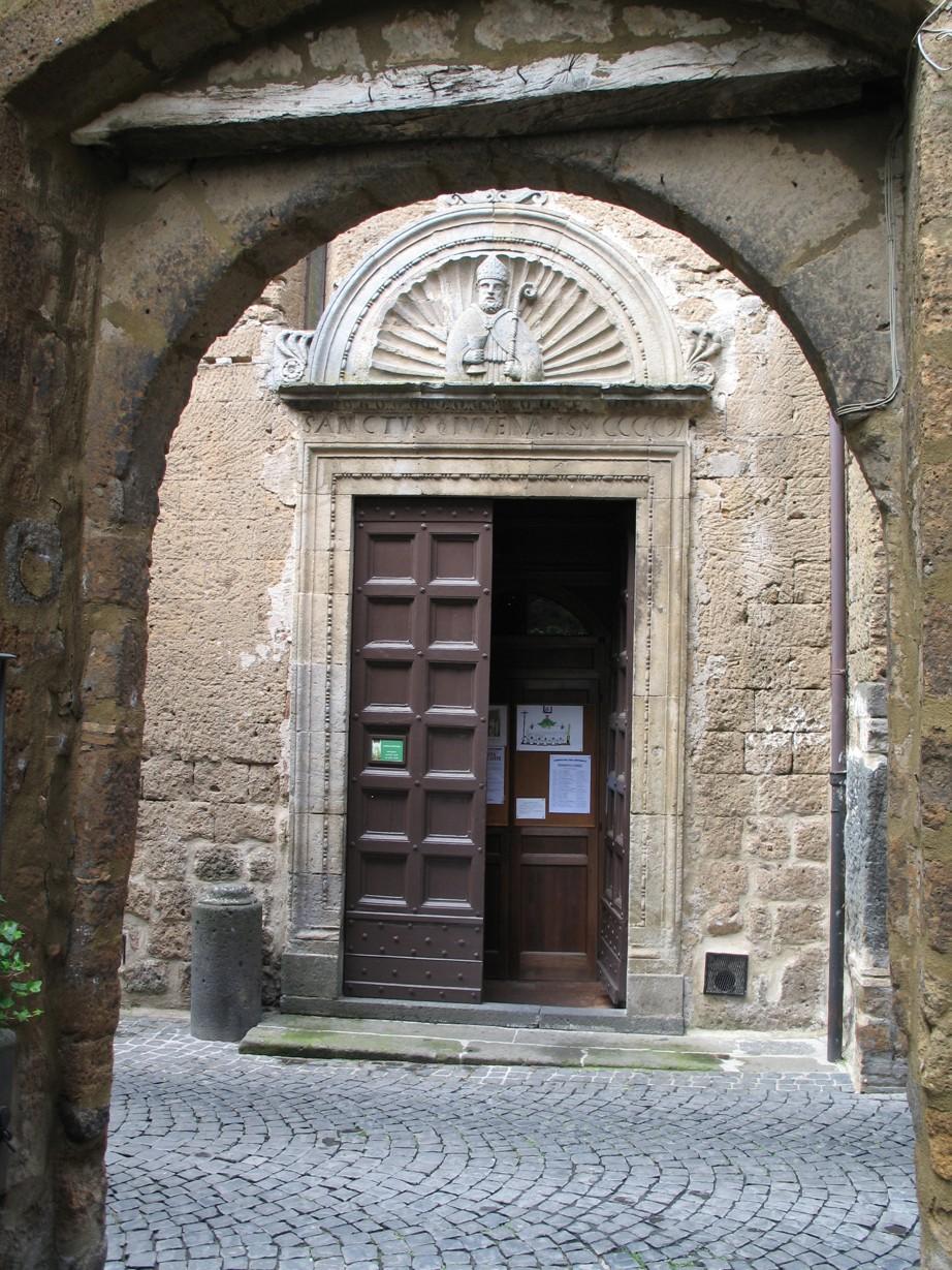 La chiesa di San Giovenale. Orvietos ældste kirke, bygget oven på et etruskisk tempel for Jupiter.