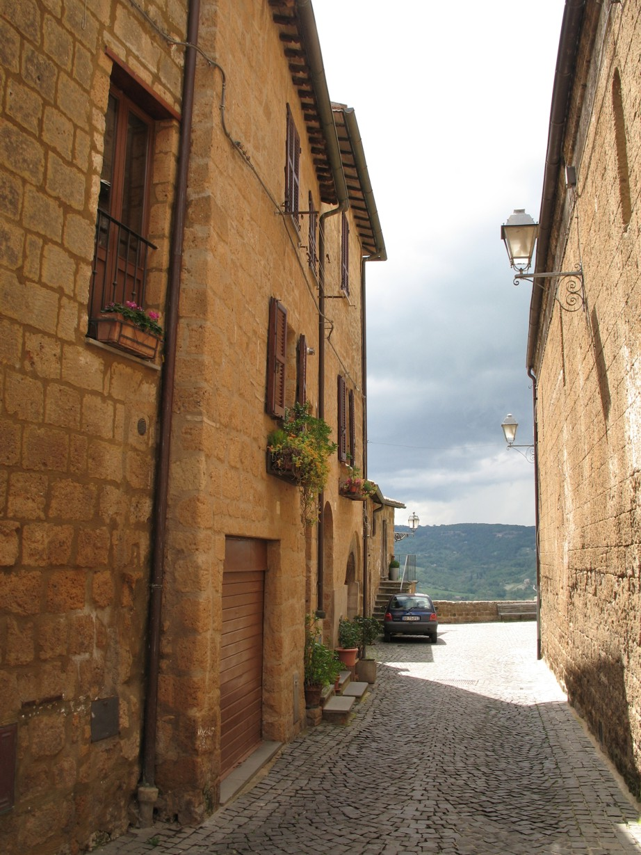 Via Volsinia set mod afgrunden